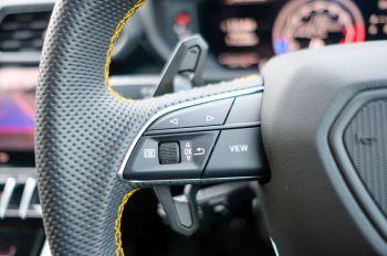 Lamborghini Urus 4.0T FSI V8 5dr Auto - Akrapovic exhaust & Exterior Carbon image 34 thumbnail