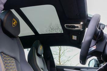 Lamborghini Urus 4.0T FSI V8 5dr Auto - Akrapovic exhaust & Exterior Carbon image 46 thumbnail
