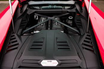 Lamborghini Huracan 5.2 V10 640 2dr Auto AWD image 8 thumbnail
