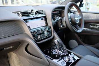 Bentley Bentayga 4.0 V8 - Touring and Front Seat Comfort Specification  image 11 thumbnail