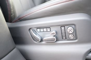 Bentley Bentayga 4.0 V8 - Touring and Front Seat Comfort Specification  image 18 thumbnail