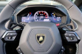 Lamborghini Huracan EVO Spyder 5.2 V10 640 2dr Auto AWD image 15 thumbnail