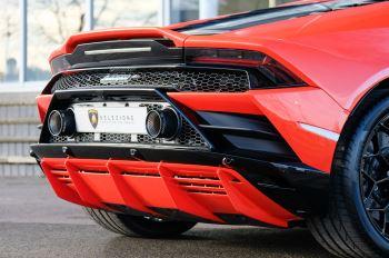 Lamborghini Huracan EVO 5.2 V10 640 2dr Auto AWD image 12 thumbnail