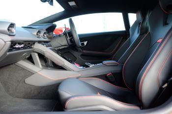 Lamborghini Huracan EVO 5.2 V10 640 2dr Auto AWD image 6 thumbnail