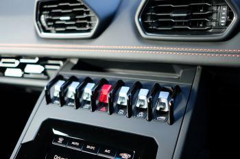 Lamborghini Huracan EVO 5.2 V10 640 2dr Auto AWD image 20 thumbnail