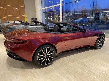 Aston Martin DB11 V8 Volante Touchtronic image 2 thumbnail