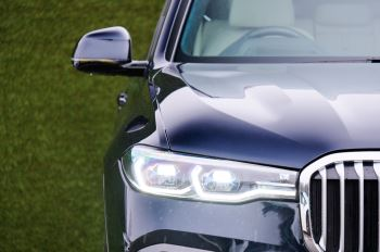 BMW X7 xDrive40i M Sport 5dr Step - Head up Display - M Sport exhaust system image 3 thumbnail