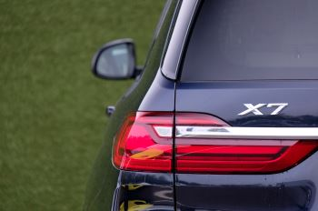BMW X7 xDrive40i M Sport 5dr Step - Head up Display - M Sport exhaust system image 11 thumbnail