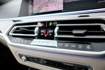 BMW X7 xDrive40i M Sport 5dr Step - Head up Display - M Sport exhaust system image 36 thumbnail