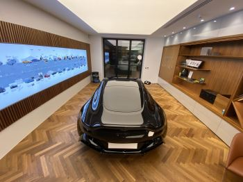 Aston Martin New Vantage AMR Hero Edition  image 18 thumbnail