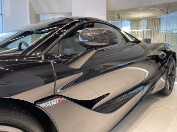McLaren 720S Spider 4.V8 2 DR PERFORMANCE image 11 thumbnail