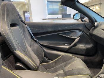 McLaren 720S Spider 4.V8 2 DR PERFORMANCE image 25 thumbnail