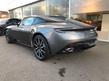 Aston Martin DB11 V8 Touchtronic image 2 thumbnail