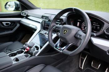 Lamborghini Urus 4.0T FSI V8 5dr image 12 thumbnail