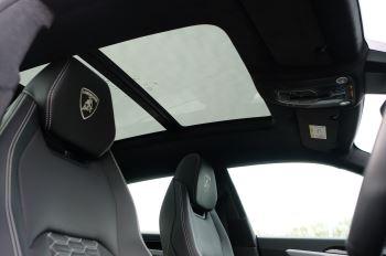 Lamborghini Urus 4.0T FSI V8 5dr image 16 thumbnail