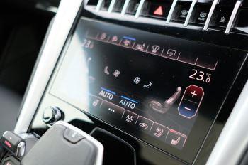 Lamborghini Urus 4.0T FSI V8 5dr image 21 thumbnail