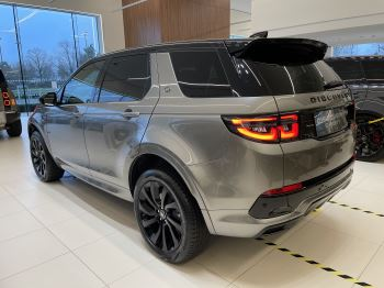 Land Rover Discovery Sport 2.0 P250 R-Dynamic HSE image 4 thumbnail