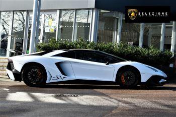 Lamborghini Aventador LP 750-4 Superveloce 2dr ISR image 2 thumbnail