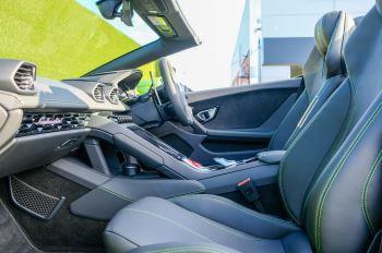 Lamborghini Huracan EVO Spyder 5.2 V10 610 2dr Auto image 6 thumbnail