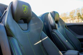 Lamborghini Huracan EVO Spyder 5.2 V10 610 2dr Auto image 13 thumbnail