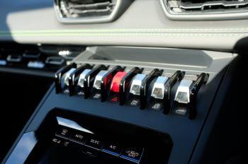 Lamborghini Huracan EVO Spyder 5.2 V10 610 2dr Auto image 16 thumbnail