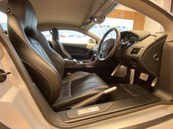 Aston Martin DBS V12 2dr Touchtronic image 20 thumbnail