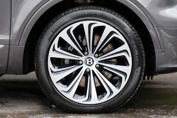 Bentley Bentayga First Edition 4.0 V8  image 7 thumbnail