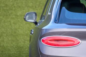 Bentley Bentayga First Edition 4.0 V8  image 9 thumbnail