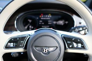 Bentley Bentayga First Edition 4.0 V8  image 18 thumbnail