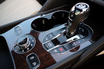 Bentley Bentayga First Edition 4.0 V8  image 22 thumbnail