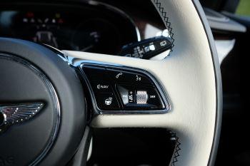 Bentley Bentayga First Edition 4.0 V8  image 25 thumbnail