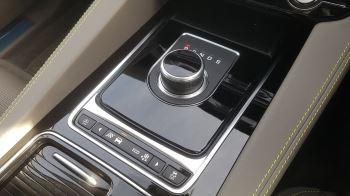 Jaguar F-PACE 2.0d R-Sport AWD image 15 thumbnail