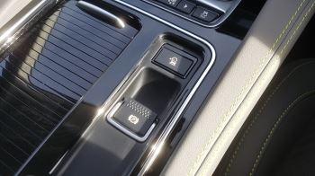 Jaguar F-PACE 2.0d R-Sport AWD image 16 thumbnail