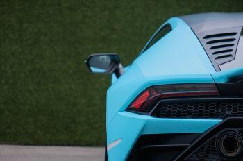 Lamborghini Huracan EVO Coupe image 11 thumbnail