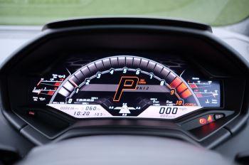Lamborghini Huracan EVO Coupe image 18 thumbnail
