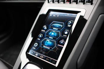 Lamborghini Huracan EVO Coupe image 20 thumbnail