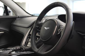 Aston Martin DBX V8 550 Touchtronic image 5 thumbnail