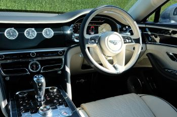 Bentley Flying Spur 6.0 W12 4dr image 12 thumbnail
