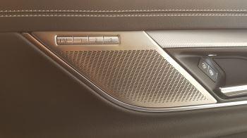Jaguar XF Sportbrake 2.0 P250 R-Dynamic SE image 8 thumbnail