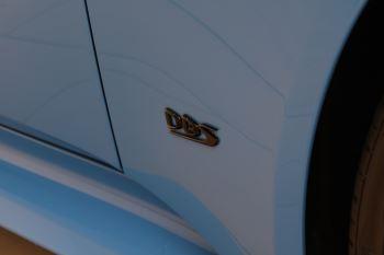 Aston Martin DBS V12 Superleggera Touchtronic Special Ceramic Blue - B&O image 15 thumbnail