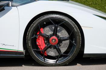 Lamborghini Huracan Performante Spyder 5.2 V10 AWD image 9 thumbnail