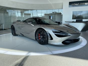 McLaren 720S 4.V8 2 DR PERFORMANCE image 1 thumbnail
