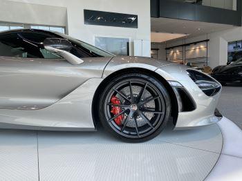 McLaren 720S 4.V8 2 DR PERFORMANCE image 2 thumbnail
