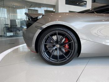 McLaren 720S 4.V8 2 DR PERFORMANCE image 3 thumbnail