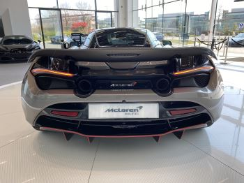 McLaren 720S 4.V8 2 DR PERFORMANCE image 31 thumbnail