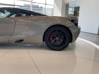 McLaren 720S 4.V8 2 DR PERFORMANCE image 32 thumbnail