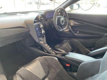 McLaren 720S 4.V8 2 DR PERFORMANCE image 40 thumbnail