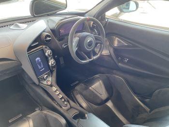 McLaren 720S 4.V8 2 DR PERFORMANCE image 41 thumbnail