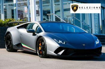 Lamborghini Huracan Performante LP 640-4 2dr LDF - Carbon Ceramic Brakes - Carbon Fiber Features - Comfort Seats 5.2 Automatic Coupe