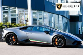 Lamborghini Huracan Performante LP 640-4 2dr LDF - Carbon Ceramic Brakes - Carbon Fiber Features - Comfort Seats image 2 thumbnail